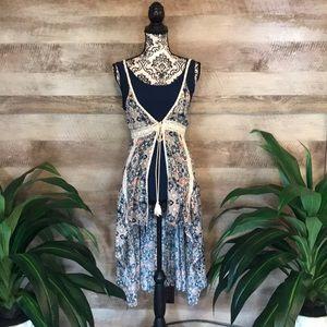 Umgee Floral High/Low Vest/Blouse